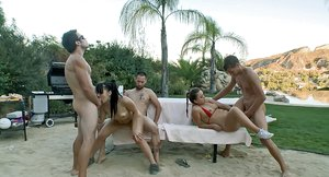 Outdoors groupsex