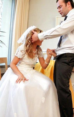 Wedding peeing